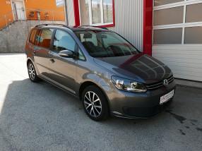 VW Touran 1,6 BMT TDI *AHK*KLIMATRONIC*PDC*TEMPOMAT* bei BM || KFZ Baumgartner in