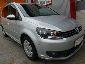 VW Touran Comfortline 1,6 TDI Sondermodell LIFE *NAVI*Sitzheizung*Tempomat*Sportsitze* bei BM || KFZ Baumgartner in